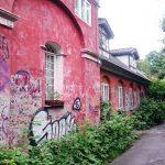 Bunte Häuser und viel Natur in Christiania.